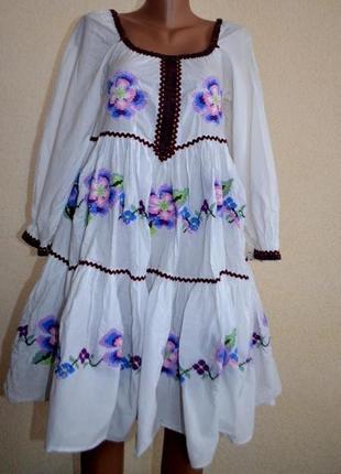 Платье с вышитыми цветами lise sandahl