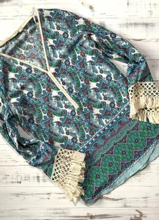 Красивая яркая блуза с бахромой ema blue's