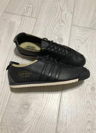 Классные кроссовки adidas оригинал