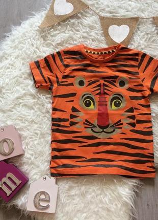 Стильная футболка с тигром на 1,5-2 года