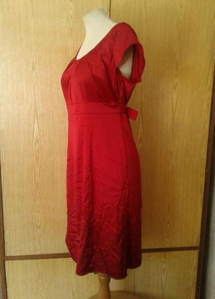 Атласное красное платье,м.