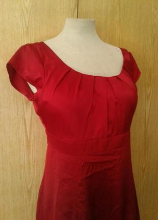 Атласное красное платье,м.2 фото