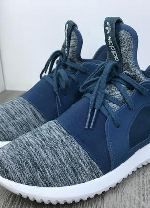 Мощные кроссовки adidas tubular