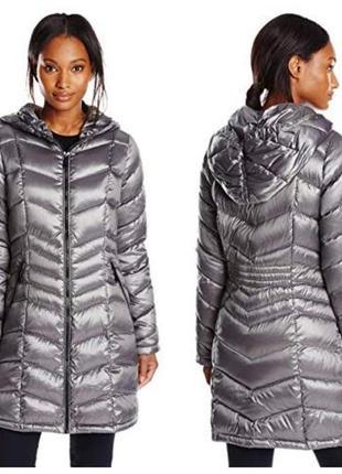 Демисезонное  серебристое пуховое пальто  с капюшоном calvin klein премиум пух. р 44-46