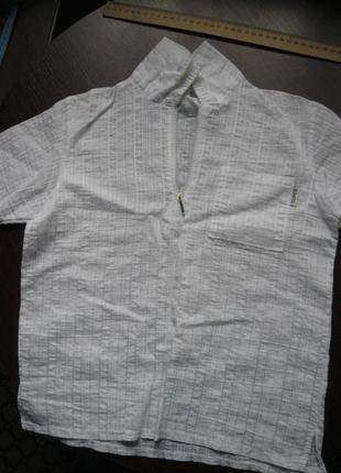 Летняя рубашка на мальчика, жатая, на молнии.