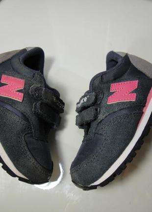 Оригинальные кожаные кроссовки new balance р.21 -22 (13см)