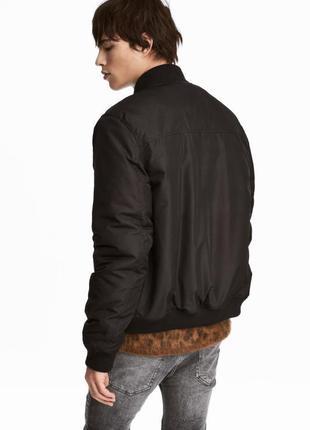 Оригинальная утепленная куртка-бомбер от бренда h&m разм. xs