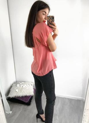 Блуза с интересной спинкой bershka