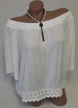 Блуза-жатка с кружевной отделкой