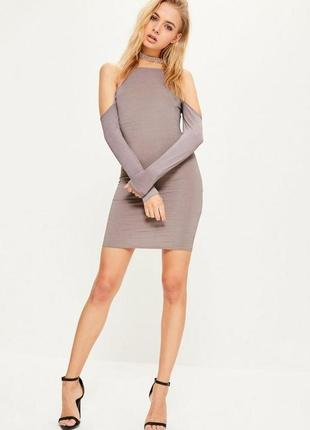 Платье перперное облегающее с приспущенными рукавами