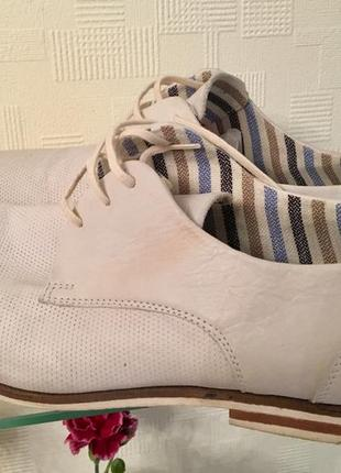 Мужские кожаные туфли дерби