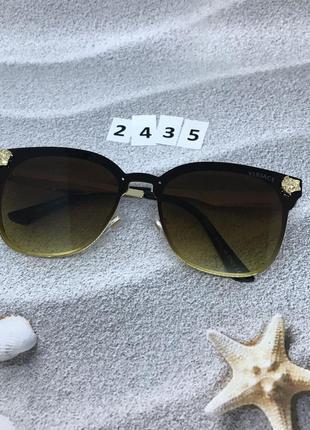 Коричневые солнцезащитные очки к. 2435 уценка