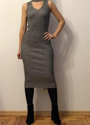 Платье по фигуре облегающее bershka