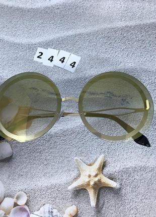 Круглые серо-зеленые солнцезащитные очки  к. 2444