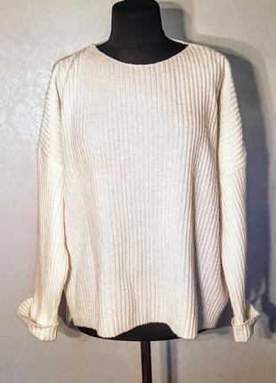 Клевый белый свитер оверсайз