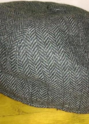 Стильная   твидовая  кепка