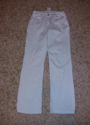 Білі джинси прямого крою. європейський розмір 36