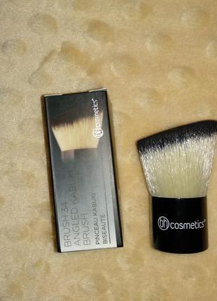 Кисть кабуки bh cosmetics