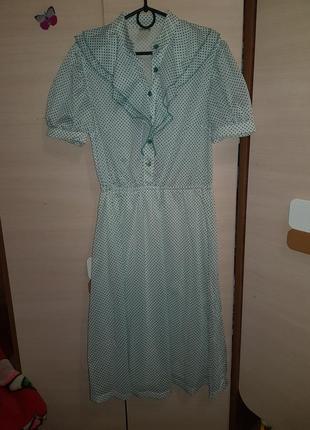 Стильне платья  в горошок італія