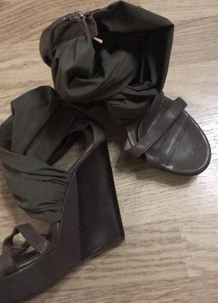 Кожаные босоножки оригинальный фасон vic matie!