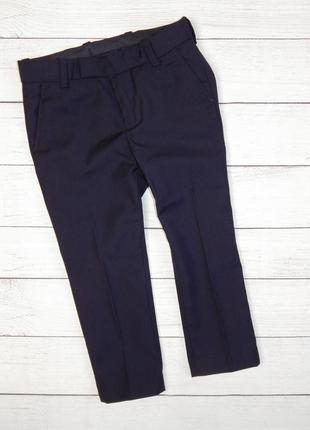 Классические черные брюки со стрелками от h&m, для мальчика 2-3 года. 98 рост.