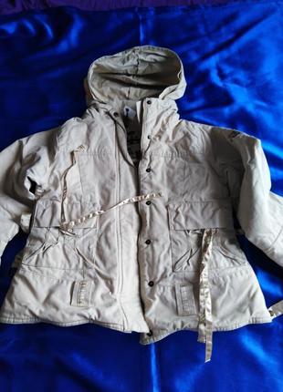 Тёплая куртка dkny для девочки 10-12 лет.