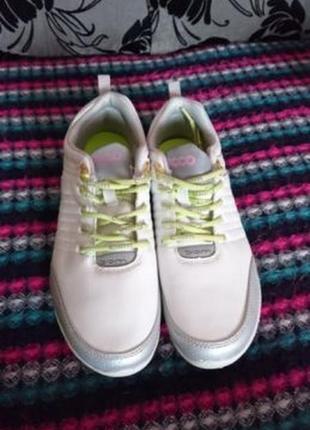 Продам новые женские кроссовки ecco, р. 39
