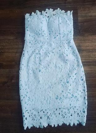 Шикарне мереживне плаття wyldr