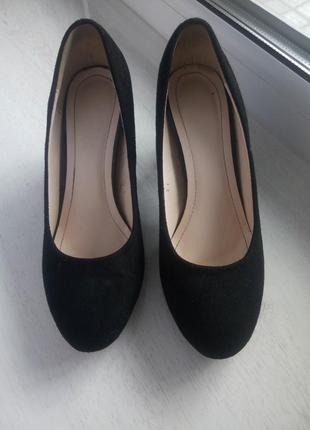 Чорні туфлі,замшeві туфлі