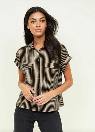 bdd2e38cdf9 Полосатая рубашка с короткими рукавами и карманами блузка в полоску из твила