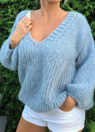 Пуловер оверсайз из мохера.