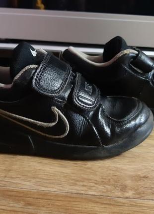 Кроссовки nike. туфли
