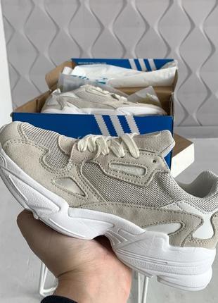 Шикарные кроссовки adidas falcone из замши