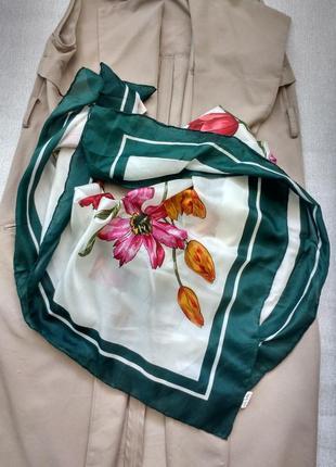 Красивый большой шелковый платок 100% шелк