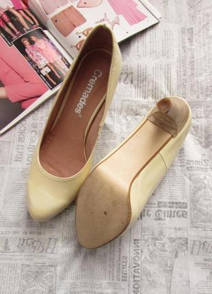 Cremades! красивые лаковые туфли лодочки песочного цвета, испания, 37 р.4 фото