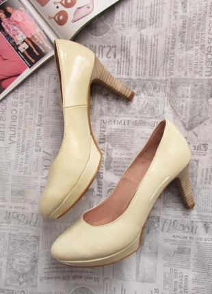 Cremades! красивые лаковые туфли лодочки песочного цвета, испания, 37 р.