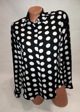 Шикарная блузка-рубашка в крупный горох, носите с удовольствием.