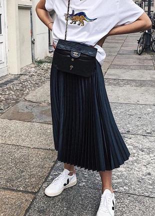 Плиссированная черная юбка гофре, снова модно и актуально, носите с удовольствием.