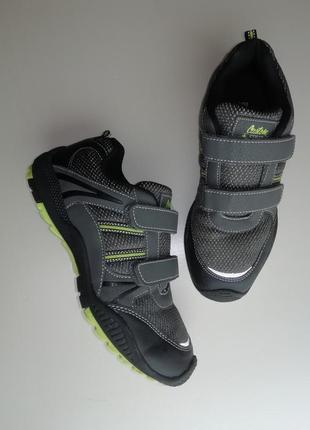"""Легкие кроссовки на """"липучках"""" от бренда f&f"""