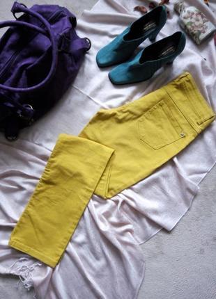 Скидка -10%. классические яркие джинсы upfashionе