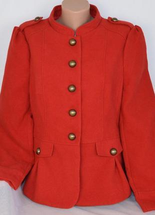 Брендовое красное демисезонное пальто полупальто internacionale этикетка