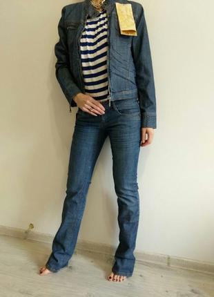 Стильный джинсовый женский костюм. куртка джинсовая+ джинсы.