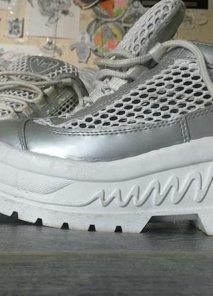 Очень стильные ботинки