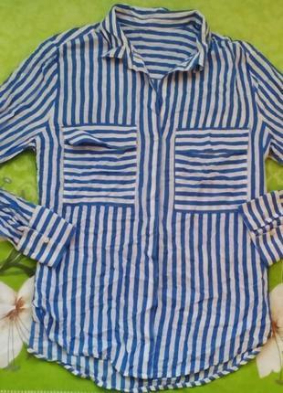 Стильная рубашка в вертикальную полоску / / рубашка в полоску