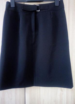 Чорна юбка/ класична спідниця apart