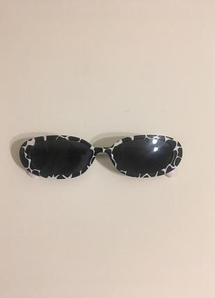 Ретро овальные очки, интересный принт
