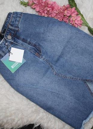 Стильная джинсовая юбка с котнрастными карманами4 фото