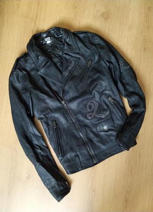 Шикарная объемная  черная кожаная косуха от vera pella
