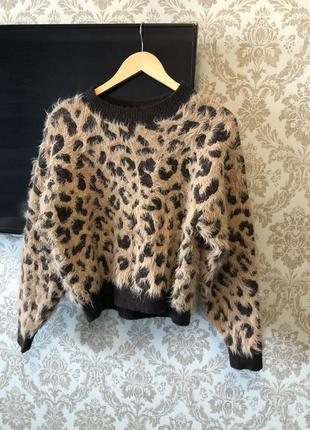 Шикарный свитер укороченый , леопард
