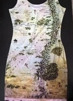 Стрейчеве плаття з картографічним принотм
